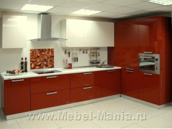 Описание: Представленный кухонный гарнитур успешно совмещает современный